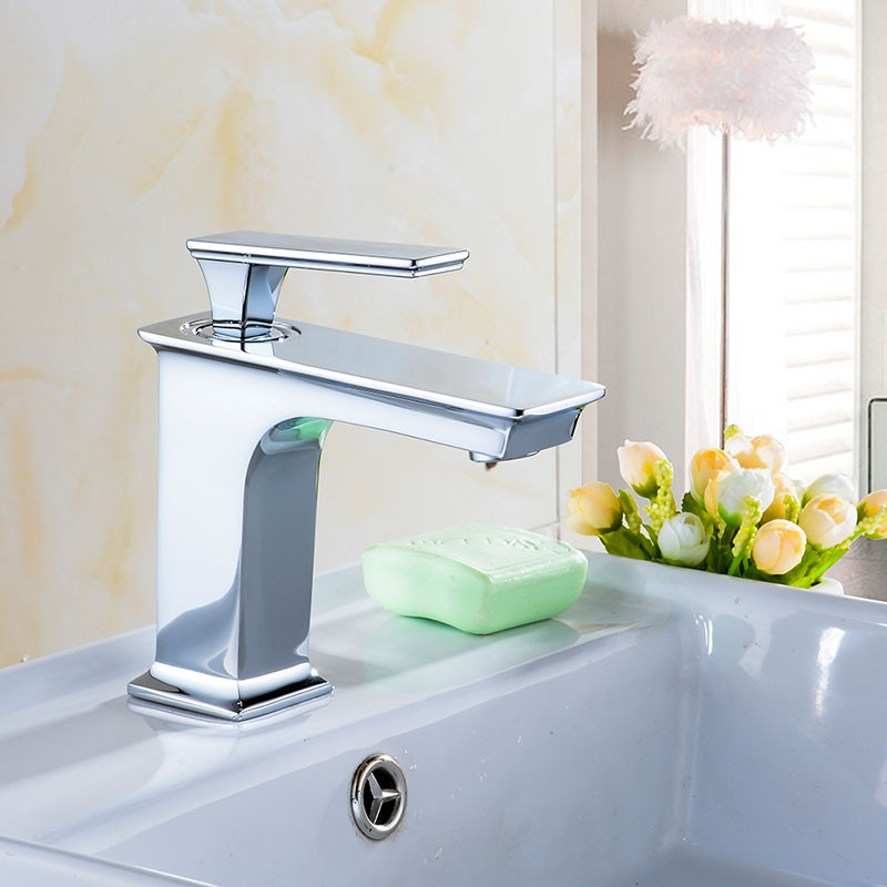Basin&Sink Faucet - Brass with Chrome Finish (81H36-CHR-008)